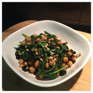 Tamari sautéed chickpeas and baby spinach